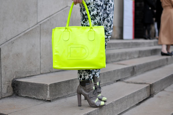 Neon Is An Attractive Color And This Season (19)