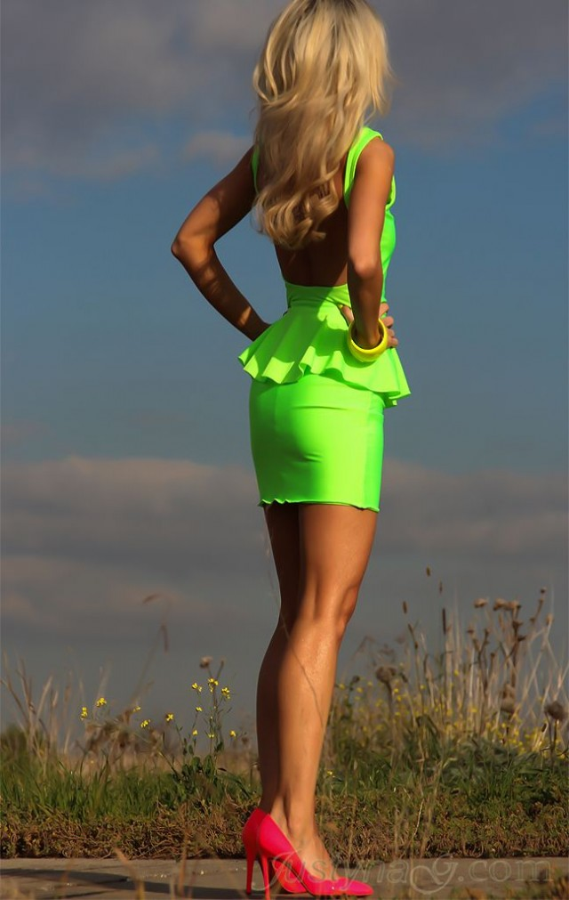Neon Is An Attractive Color And This Season (24)