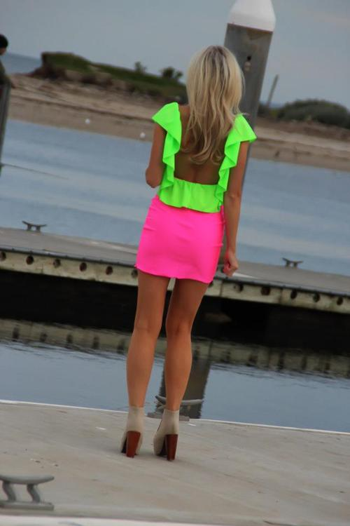 Neon Is An Attractive Color And This Season (5)
