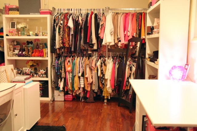 Perfect Idea How To Arrange Your Room With Clothes (1)
