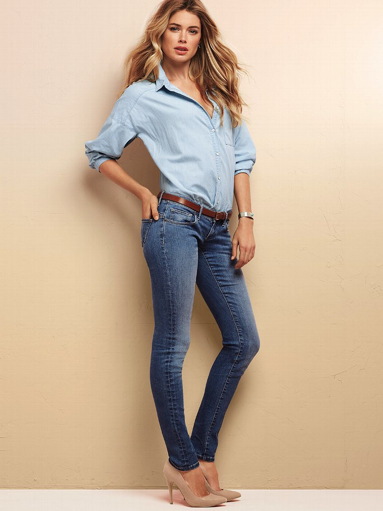 Victoria Secret Models In Skinny Jeans (4)