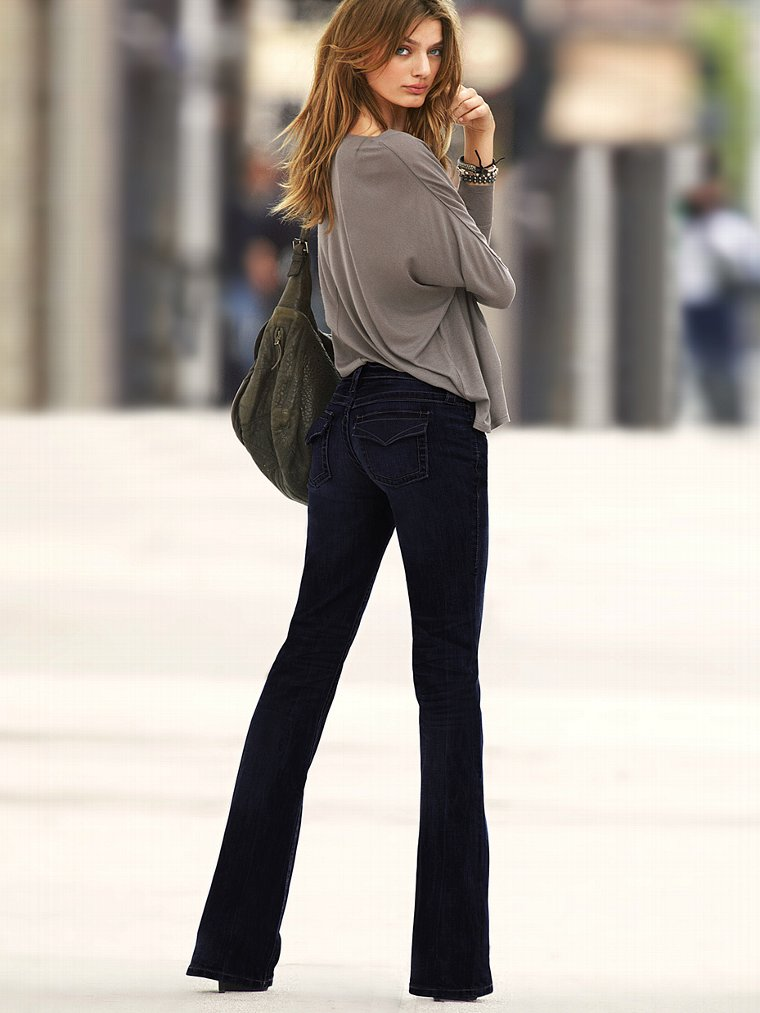 Victoria Secret Models In Skinny Jeans (7)