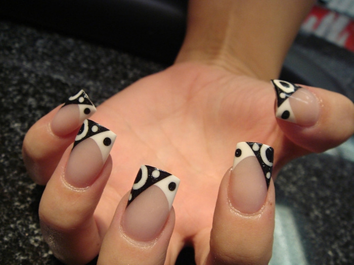 black and white manicure ideas (13)