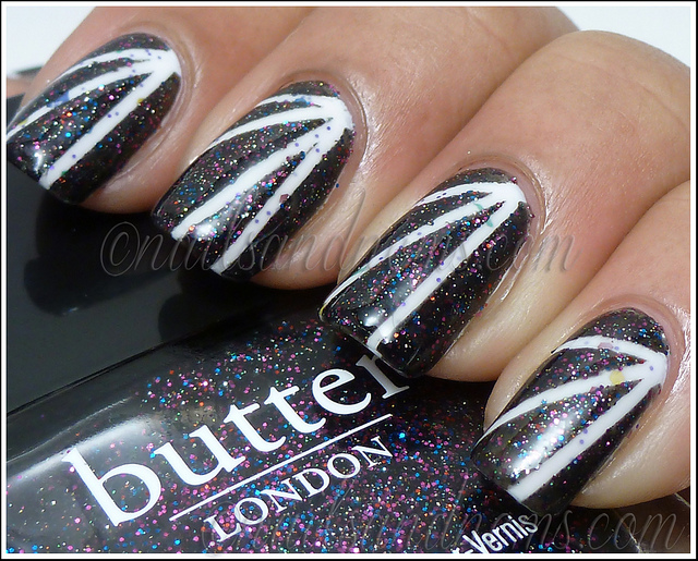 black and white manicure ideas (32)