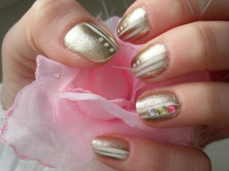 gold_nail_art