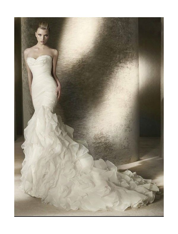 16 amazing mermaid wedding dresses for Mermaid wedding dress with ruffles