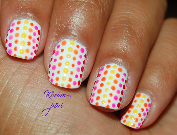 Amazing Retro Nails Design (19)