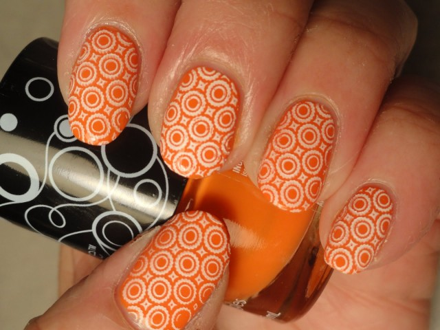 Amazing Retro Nails Design (21)