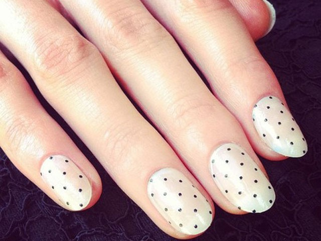 Amazing Retro Nails Design (38)