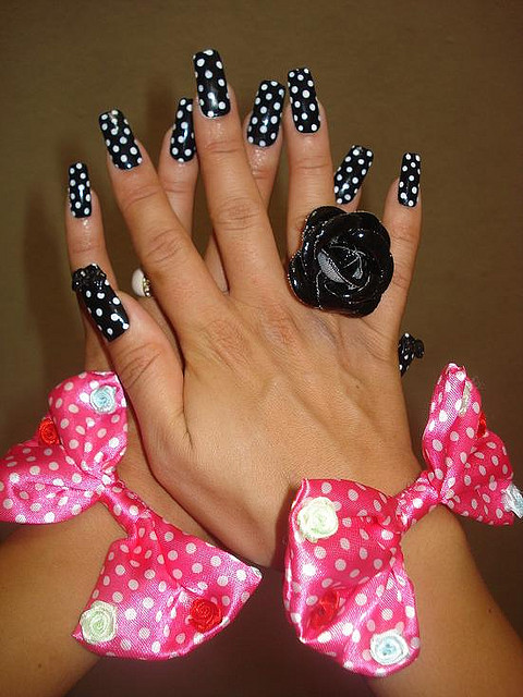 Amazing Retro Nails Design (9)