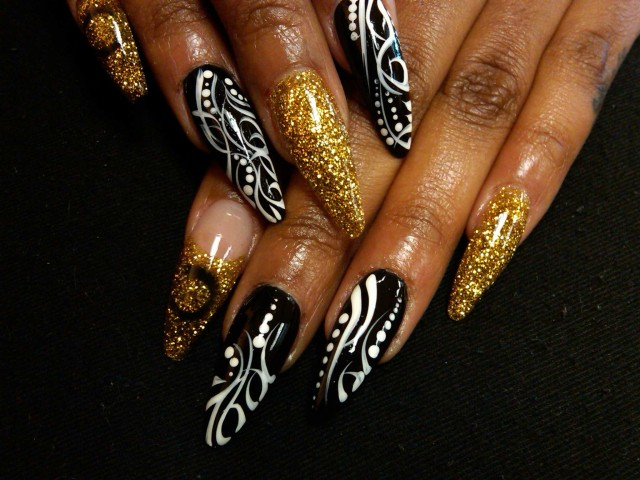 Nails Art: 36 Trendy Nails With Golden Designs