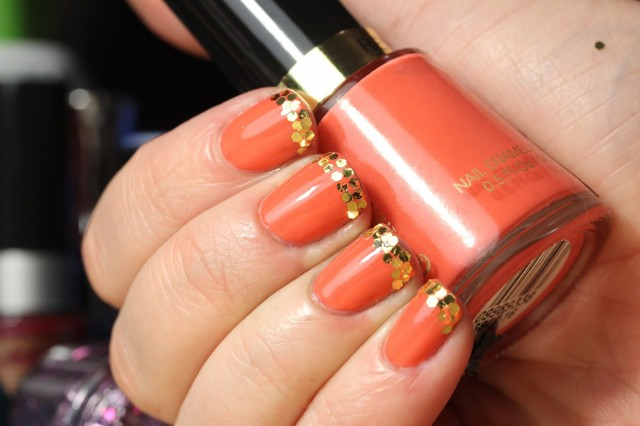 Nails With Golden Designs (13)
