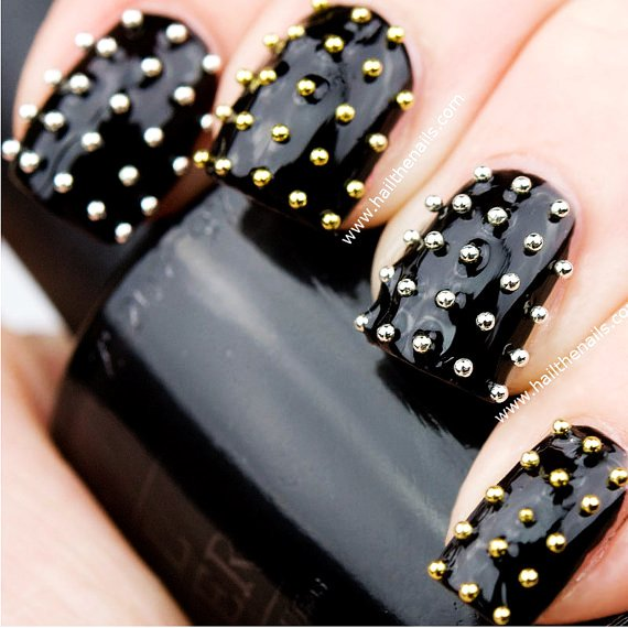 Nails With Golden Designs (14)