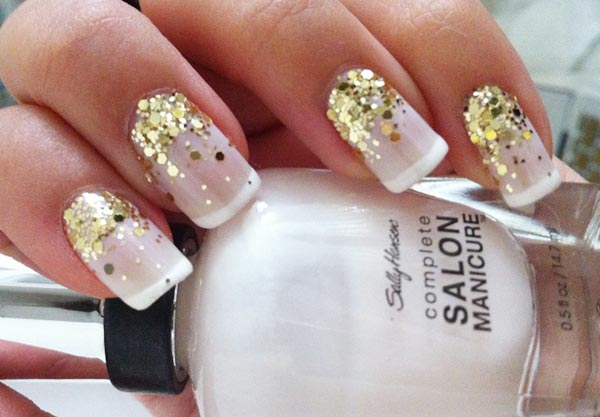 Nails With Golden Designs (15)