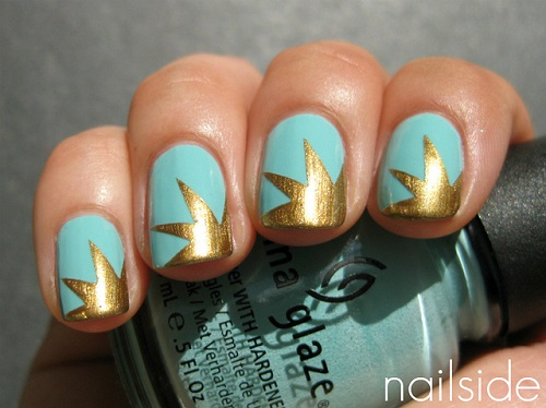 Nails With Golden Designs (16)