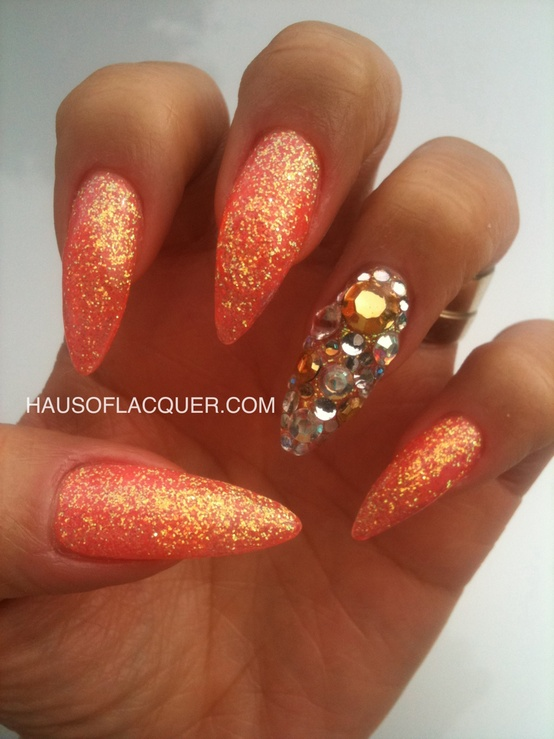 Nails With Golden Designs (23)