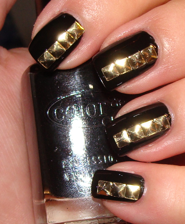 Nails With Golden Designs (29)