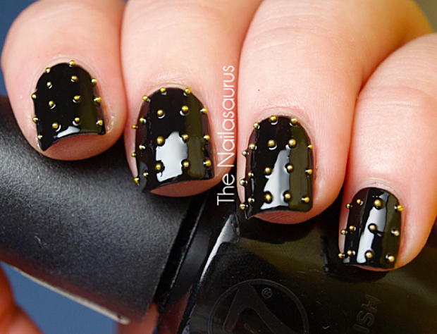 Nails With Golden Designs (31)