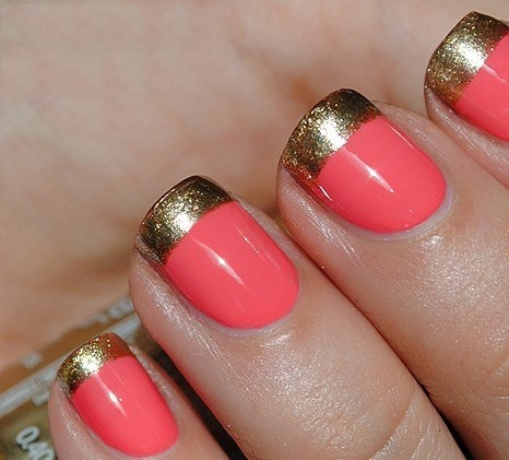 Nails With Golden Designs (36)