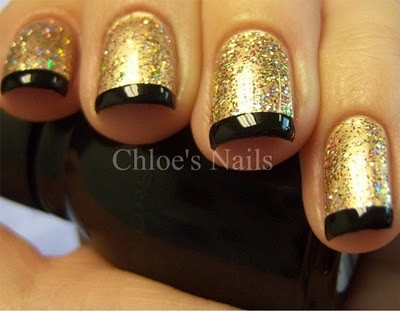 Nails With Golden Designs (8)