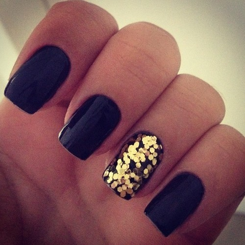 Nails With Golden Designs (9)