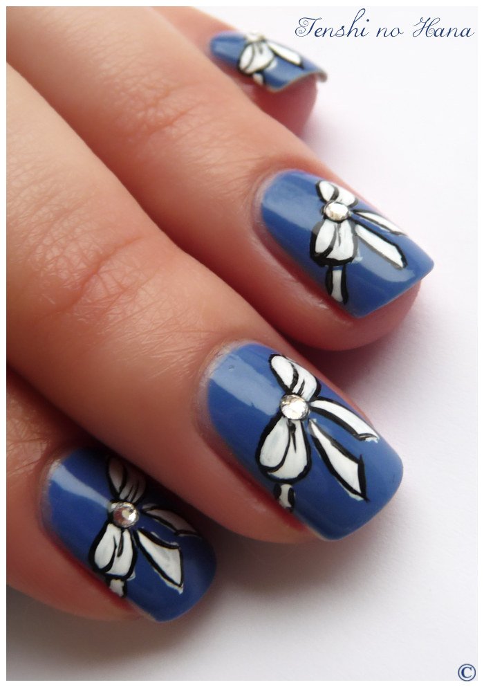 Nails with bows (19)