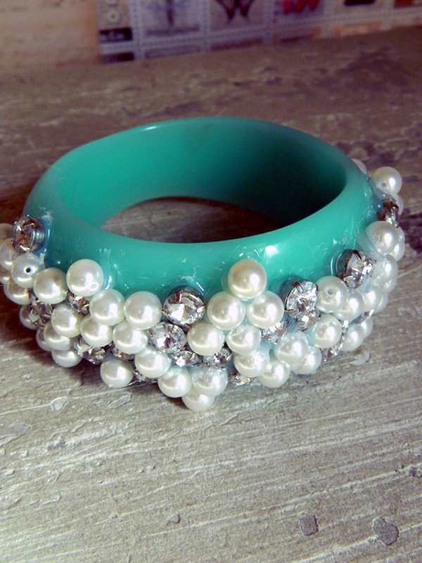 Pearl Bangle Bracelet 2 (1)