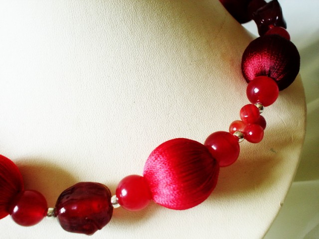01red necklace set