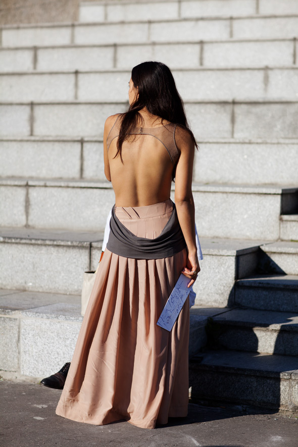 backless (3)