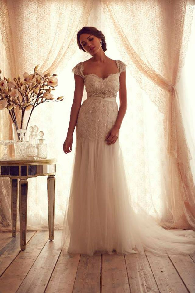Stunning wedding dresses by anna campbell 2013 for Where to buy anna campbell wedding dresses