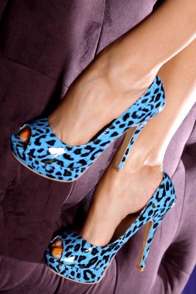 إختاري حذاءًكٍ الأنيق shoes-11.jpg