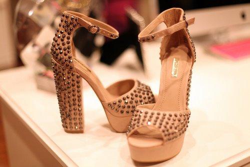 إختاري حذاءًكٍ الأنيق shoes-12.jpg