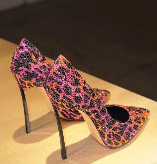 إختاري حذاءًكٍ الأنيق shoes-13.jpg