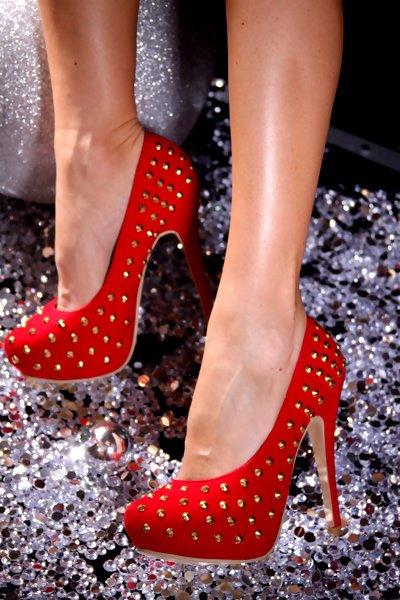 إختاري حذاءًكٍ الأنيق shoes-9.jpg