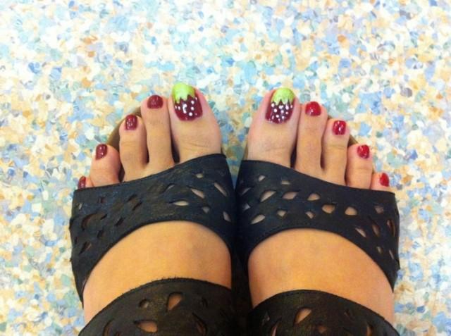 toe nails (10)