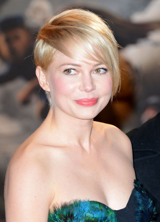 14-michelle-williams-bangs-haircut-celebrity-beauty-h724