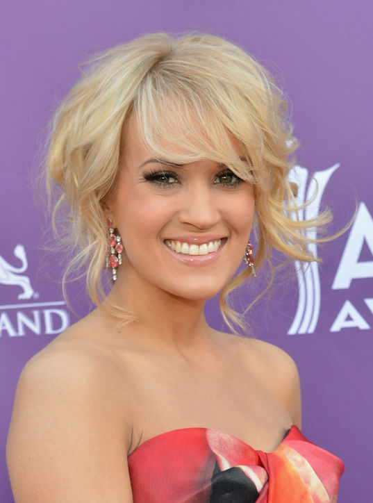 18-carrie-underwood-bangs-haircut-celebrity-beauty-h724