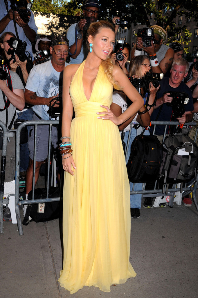 Blake+Lively+stuns+plunging+yellow+dress+paired+-9RpGfyTF8kx