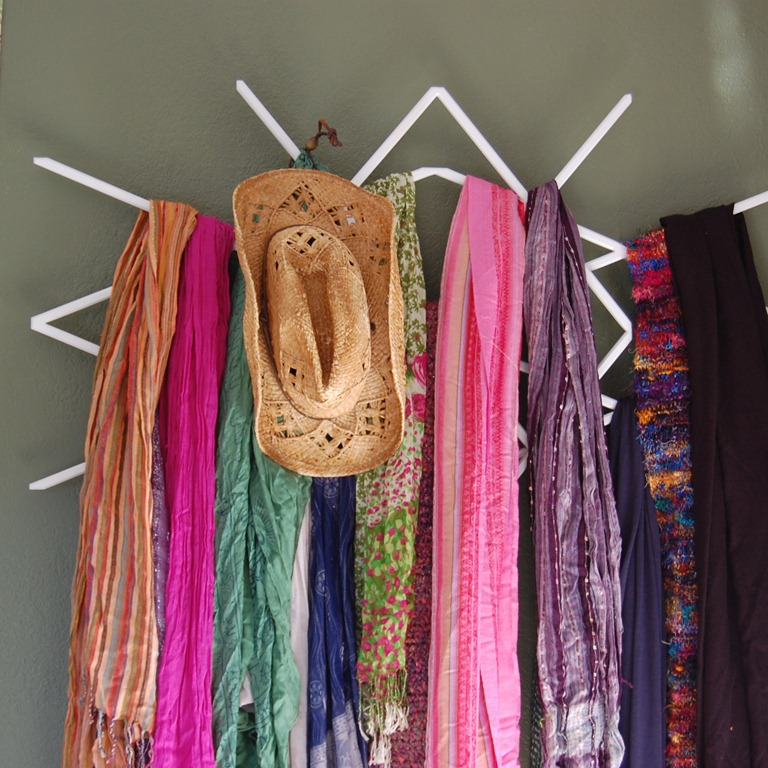 Scarf-rack-finished-4