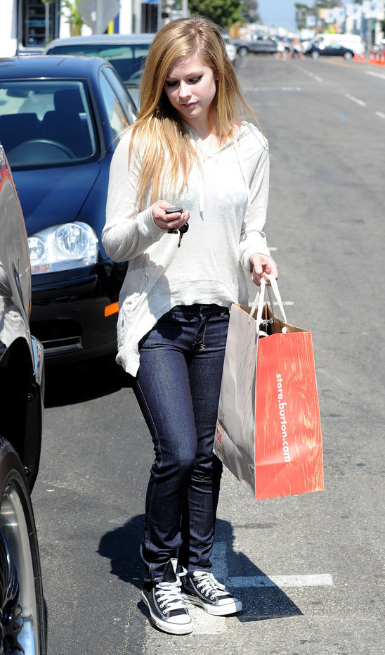 celebrity_street_style_convert_to_converse (8)