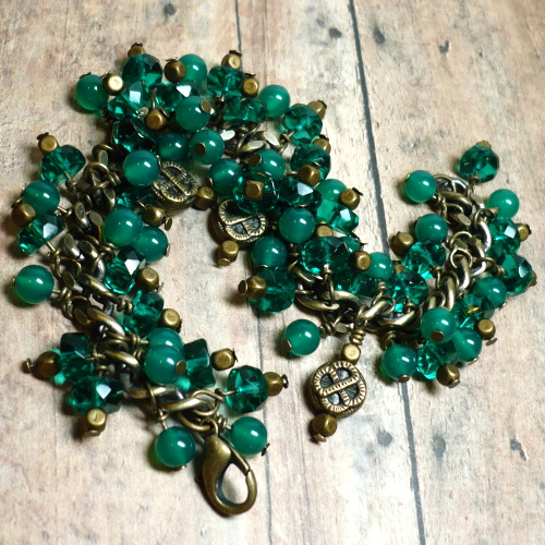 emerald_green_agate_and_emerald_crystal_and_brass_charm_bracelet_216bb61d