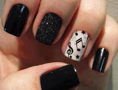 lush-fab-glam.com-black-and-white-nail-art-design-3