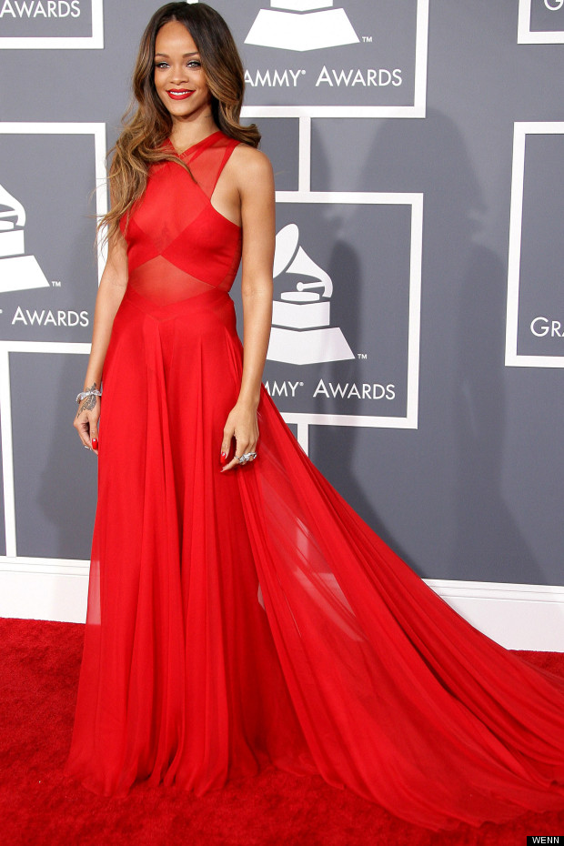 32 Cute & Sexy Must Have Red Dresses / Lady In Red
