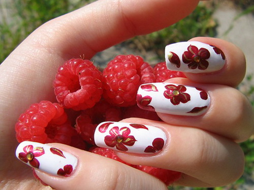 red-flower-nails