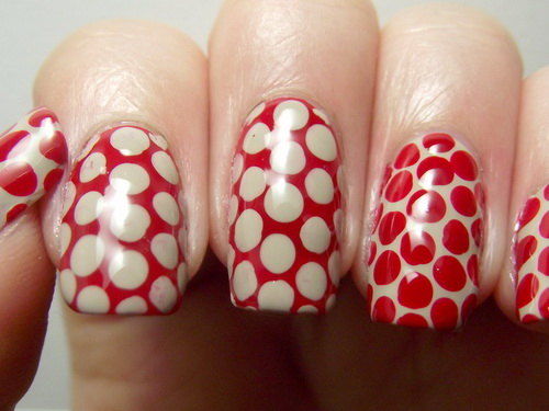 red-nails-big-polka-design