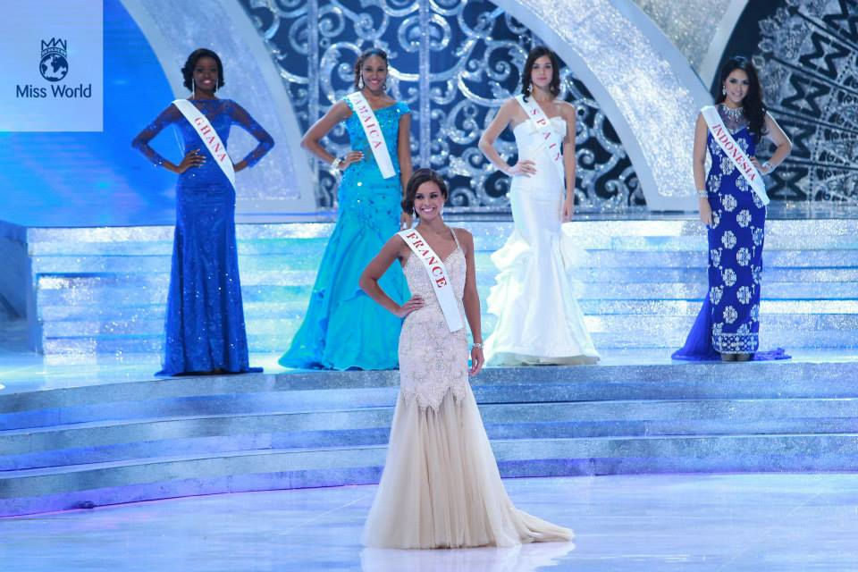 28 Stunning Dresses From Miss World 2013