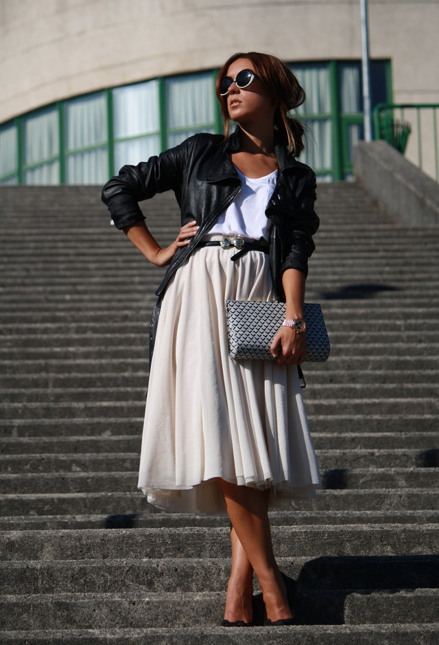 http://www.fashiondivadesign.com/wp-content/uploads/2013/09/long-skirt-12.jpg