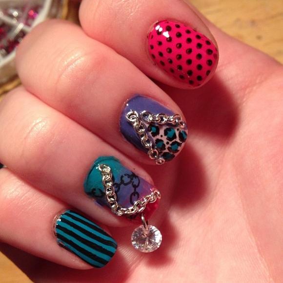 new trend pierced nails