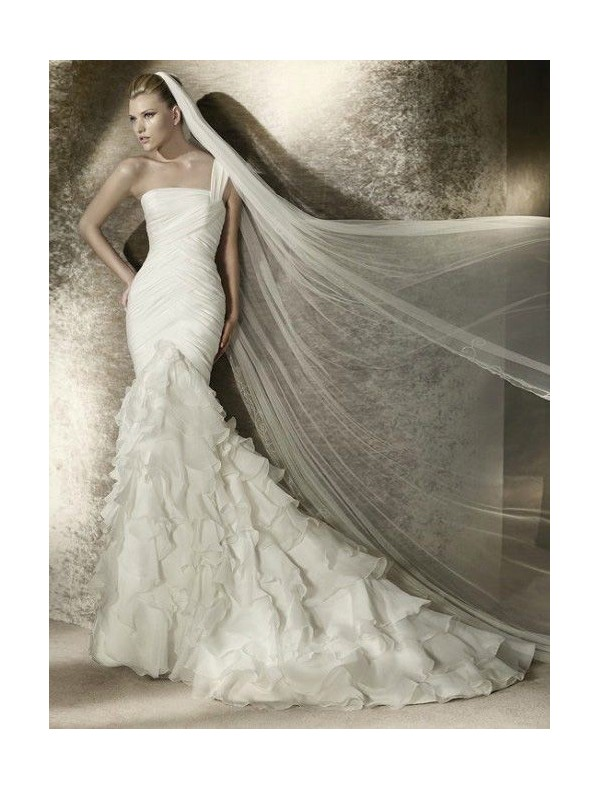 organza-one-shoulder-strap-mermaid-wedding-dress-with-tiered-ruffles-bustled-skirt