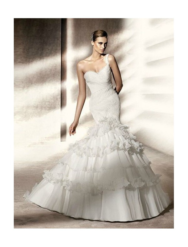 organza-sweetheart-neckline-mermaid-style-with-one-shoulder-strap-bodice